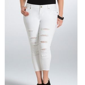 Torrid white wash skinny jeans with destruction